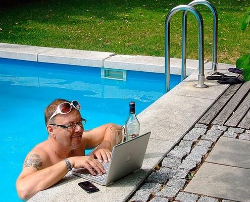 1207-summer-laptop-11686-471e673